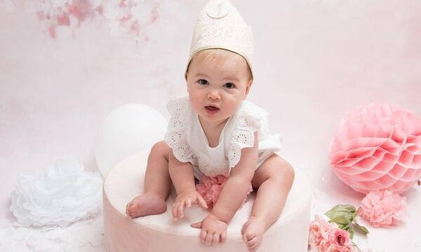 Υπέροχες φωτογραφίες μωρών που γιορτάζουν τα πρώτα τους γενέθλια