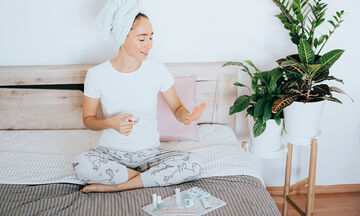 Μανικιούρ για μαμάδες: Πώς θα κάνετε σωστό βάψιμο νυχιών στο σπίτι