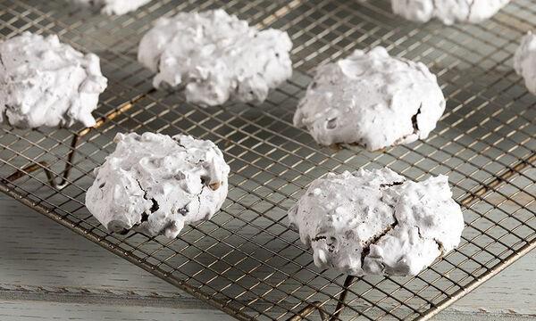 Εύκολα και γρήγορα μπισκότα χωρίς αλεύρι από τον Άκη Πετρετζίκη