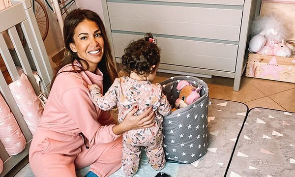 Ελένη Χατζίδου: Η κόρη της τρώει μόνη της και είναι απολαυστική