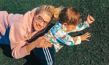 Τζένη Θεωνά: Η τρυφερή φωτογραφία με τον γιο και τη μητέρα της