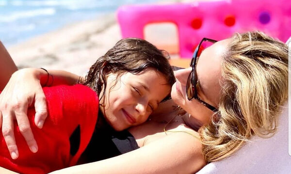 Κάτια Ζυγούλη: 5 νέες φώτο και 5 αγκαλιές με τα παιδιά της