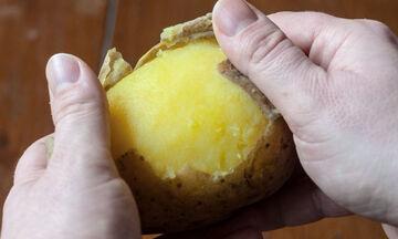 Tips για μαμάδες: Πώς θα ξεφλουδίσετε σε χρόνο dt τις πατάτες