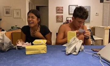 Έμαθαν ότι η μαμά τους είναι έγκυος - Δείτε την απίστευτη αντίδρασή τους