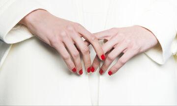 5' beauty: 5 top coat που στεγνώνουν σε 5 λεπτά και έχουν αποτέλεσμα gel