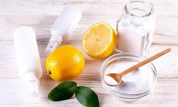 Tips  για μαμάδες: Τι μπορείτε να καθαρίσετε με λεμόνι και αλάτι