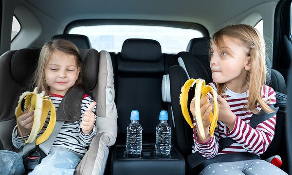 Νόστιμες και γλυκές συνταγές για παιδιά με μπανάνες (vid)