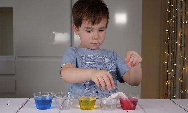 Μαθαίνοντας τα χρώματα - Ένα εύκολο πείραμα για παιδιά
