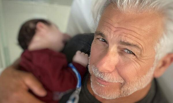 Χάρης Χριστόπουλος: Κάνει ποδήλατο μαζί με τον γιο του - Δείτε το βίντεο