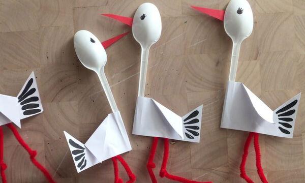 Χειροτεχνίες για παιδιά: Εντυπωσιακές κατασκευές με πλαστικά κουτάλια