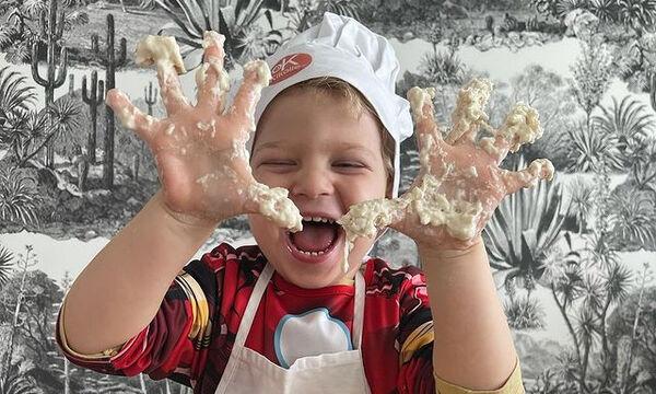 Chiara Ferragni: Το απίθανο βίντεο όπου ο γιος της φτιάχνει πίτσα