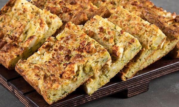 Μπατζίνα: Φτιάξτε κι εσείς την παραδοσιακή πίτα με τα κολοκυθάκια & τη φέτα