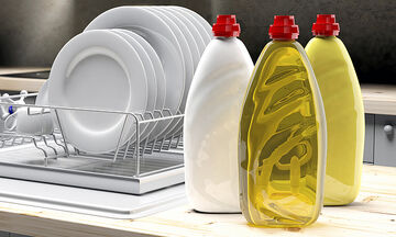 Tips για μαμάδες: Τι μπορείτε να καθαρίσετε με το υγρό πιάτων