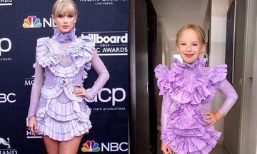 Οι φώτο της μικρής που ντύνεται όπως οι celebrities σαρώνουν στο διαδίκτυο