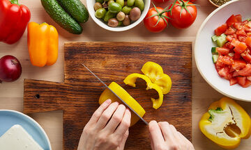 Tips για μαμάδες: Ο σωστός τρόπος να κόβετε τα λαχανικά