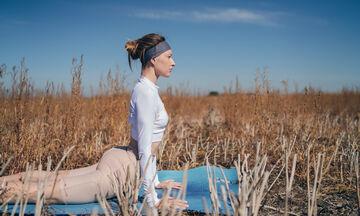 Stretching για 5': Πώς θα το ενσωματώσεις στην πρωινή σου ρουτίνα
