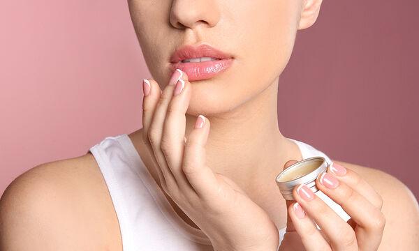 Τιps για μαμάδες: Σπιτικό lip balm με αμυγδαλέλαιο