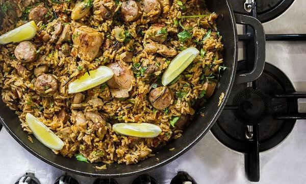Συνταγή για υπέρoχο πιλάφι με κοτόπουλο και λεμόνι