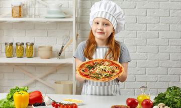 Παγκόσμια ημέρα της Πίτσας: Ψήστε πίτσα μαζί με τα παιδιά σας