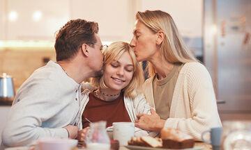 O ρόλος της οικογένειας στη ζωή των εφήβων