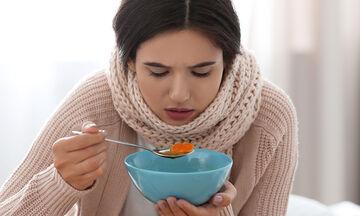 Πέντε τροφές που βοηθούν να αντιμετωπίσετε το κοινό κρυολόγημα