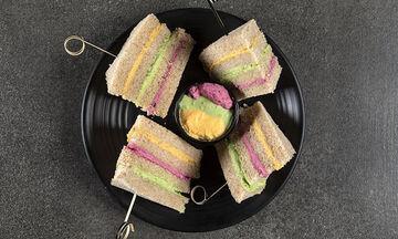 Πώς θα φτιάξετε και εσείς για τα παιδιά σας σάντουιτς ουράνιο τόξο