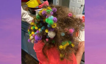 Μαμά πέρασε 20 ώρες για να βγάλει τα παιχνίδια από τα μαλλιά της κόρης της
