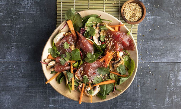 Ανάμεικτη σαλάτα με καρπάτσιο τόνου - Το μυστικό είναι στη μαρινάδα