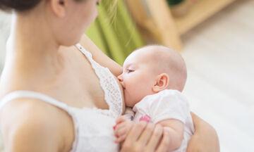 Θηλασμός: Τι πρέπει να περιλαμβάνει η διατροφή της θηλάζουσας μητέρας;