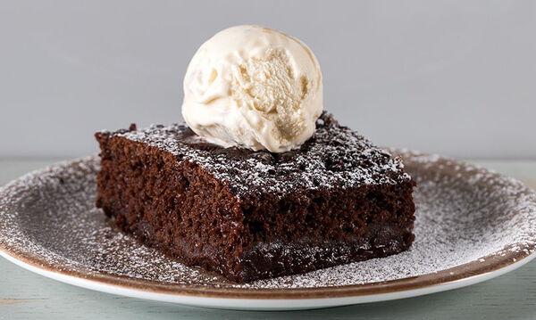 Βραστό κέικ σοκολάτας - Αν δεν το έχετε δοκιμάσει, φτιάξτε το σήμερα κιόλας