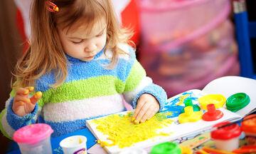 Τέσσερις δραστηριότητες για να μάθετε στα παιδιά τα χρώματα