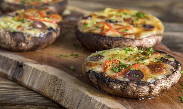 Φτιάξτε στα παιδιά μανιτάρια πίτσα - Διαφορετική και νόστιμη