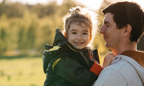 Ενεργοί Μπαμπάδες: Γιατί η ίση ανατροφή έπειτα από ένα διαζύγιο είναι σημαντική