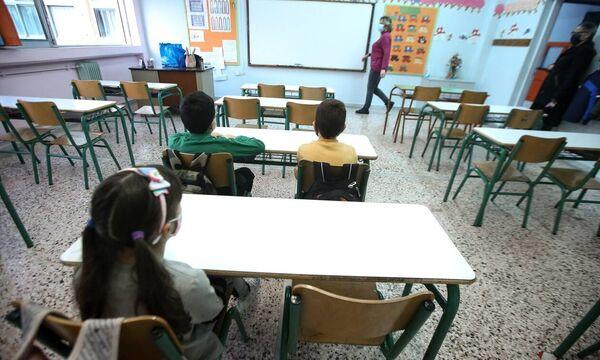 Ο κορονοϊός «χτυπάει» τα παιδιά - Ανησυχία για τις περιπτώσεις στις ΜΕΘ