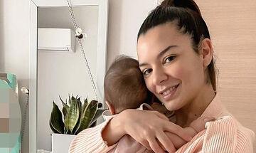 Νικολέττα Ράλλη: Για 1η φορά μας δείχνει το απίθανο μουτράκι της κόρης της