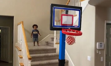 Τριχρονο αγοράκι παίζει μπάσκετ σαν επαγγελματίας και γίνεται viral