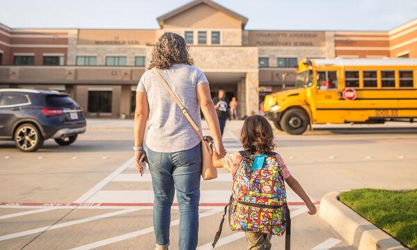 Σχολείο απέβαλλε τρία παιδιά εξαιτίας του λογαριασμού της μητέρας τους στο Instagram
