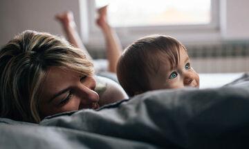 Πιέζονται, αγχώνονται και νιώθουν ενοχές οι γονείς σύμφωνα με έρευνα