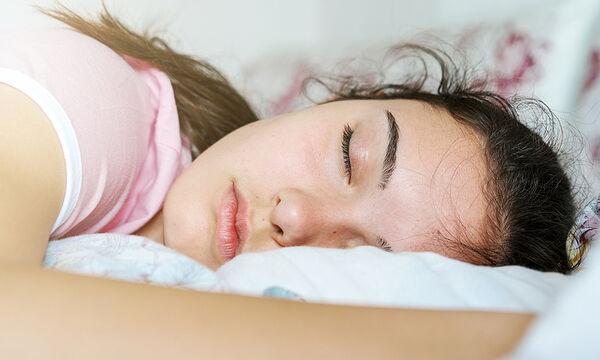Πώς ο καλός ύπνος επηρεάζει τη ψυχική υγεία των εφήβων;