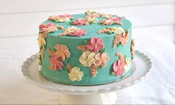 Ανοιξιάτικη τούρτα γενεθλίων για μικρά και μεγάλα κορίτσια