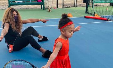 Η Serena Williams ποζάρει με την κόρη της Olympia για γνωστό οίκο μόδας