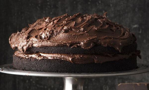 Κέικ με κακάο και επικάλυψη σοκολάτας - Τα παιδιά θα το λατρέψουν