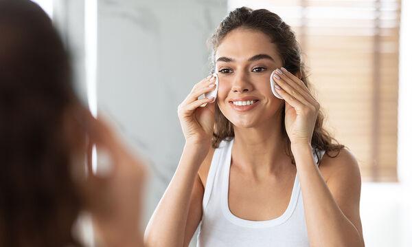 Περιποίηση δέρματος: Οκτώ λάθη που κάνετε και σας δείχνουν μεγαλύτερη