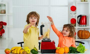 Θρεπτικό smoothie με ξηρούς καρπούς για παιδιά και νήπια (vid)