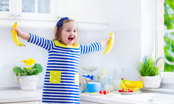 Σας αρέσει η μπανάνα; Τρεις εύκολες συνταγές να τις φτιάξετε με τα παιδιά