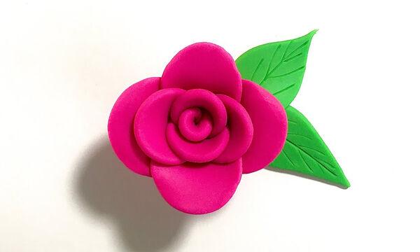 Χειροτεχνίες για παιδιά: Φτιάξτε εντυπωσιακά λουλούδια από πλαστελίνη