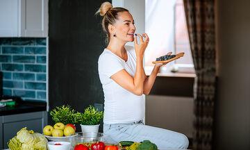 Διατροφή στην εγκυμοσύνη: Τι να τρώτε στο πρώτο τρίμηνο