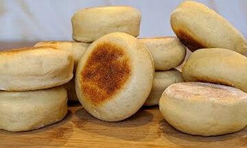 Λαχταριστά ψωμάκια για όλη την οικογένεια χωρίς ψήσιμο (vid)