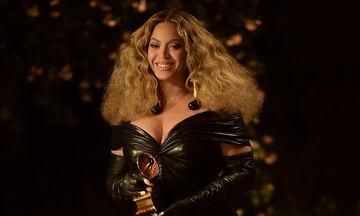 Η 9χρονη κόρη της Beyoncé φορά στέμμα απολαμβάνοντας το πρώτο Grammy της