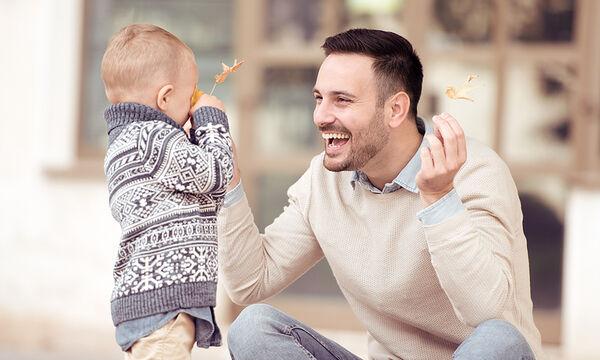 Tα παιδιά που περνούν ίσο χρόνο και με τους δύο γονείς έχουν λιγότερα ψυχοσωματικά συμπτώματα